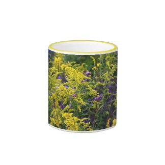 Taza con los Wildflowers de la pradera