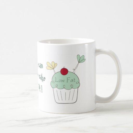 taza con poca grasa del blanco de la magdalena