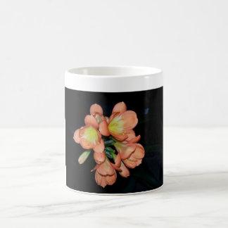 Taza con presión de flor