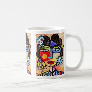 Taza coralina del cráneo del azúcar, café, té