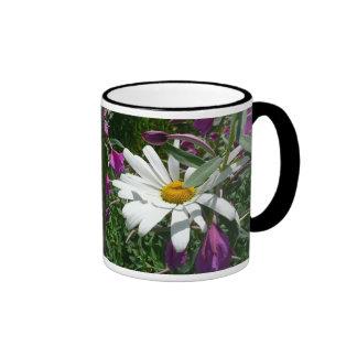 Taza de Alaska de los Wildflowers