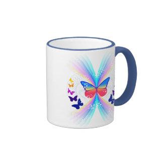 taza de café abstracta del modelo de mariposa