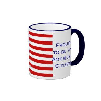 Taza de café americana del campanero de la bandera