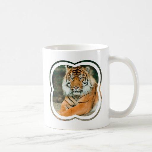 Taza de café anaranjada del tigre