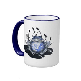 Taza de café azul de la rana de Bull del sauce