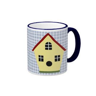 Taza de café azul de la tela escocesa del Birdhous