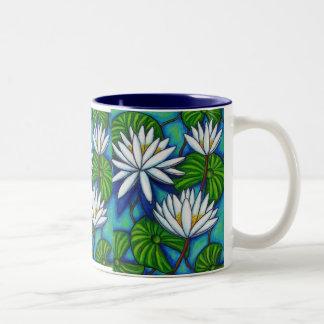 Taza de café azul del Nymphaea