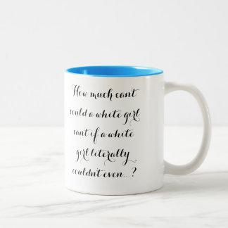 Taza de café blanca del chica