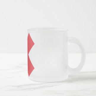 Taza de café blanca/roja simple de X
