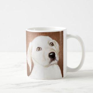 Taza de café clásica del perrito amarillo de