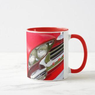 taza de café clásica del primer del coche