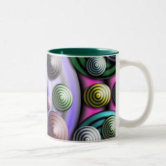 Taza de café colorida de los círculos