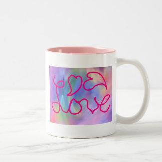 Taza de café colorida del amor