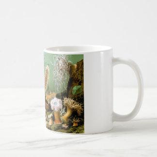 taza de café con diseño imponente de las anémonas