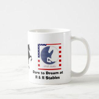 Taza de café con el americano Saddlebreds