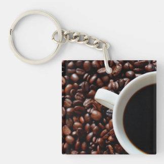 Taza de café con el café, granos de café llavero cuadrado acrílico a una cara
