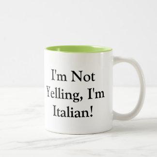 Taza de café con el refrán italiano