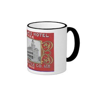 Taza de café con la fotografía histórica