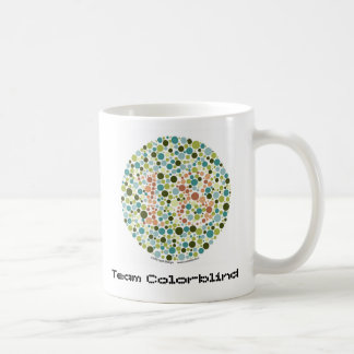 Taza de café daltónica del equipo