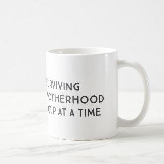 Taza de café de encargo de la maternidad de la