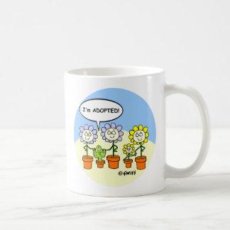Taza de café de encargo del regalo de la adopción