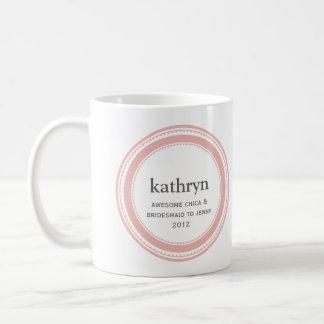 Taza de café de encargo rosada del bachelorette de