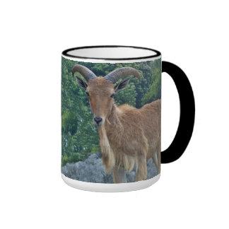Taza de café de la cabra de montaña