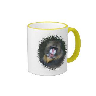 Taza de café de la cara del babuino