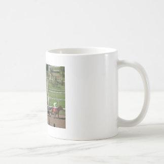 Taza de café de la carrera de caballos