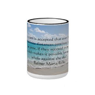 Taza de café de la cita del amor de Rainer Maria R