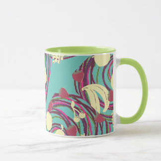 Taza de café de la fruta que remolina