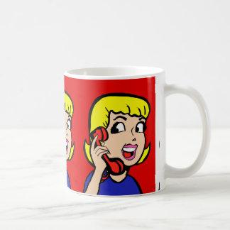 Taza de café de la historieta del chica de