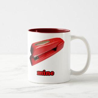 Taza de café de la mina de la grapadora