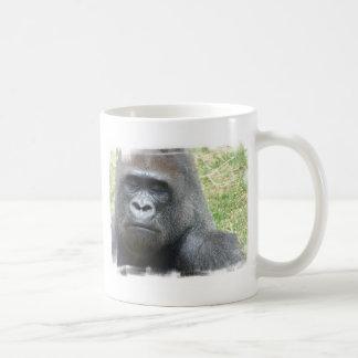 Taza de café de la mirada del gorila