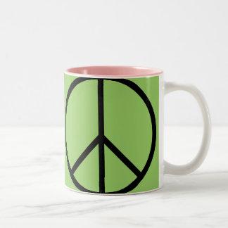 Taza de café de la MOD del signo de la paz (verde)