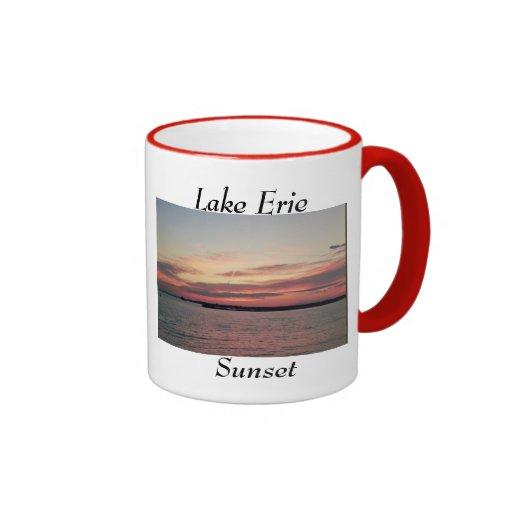Taza de café de la puesta del sol del lago Erie
