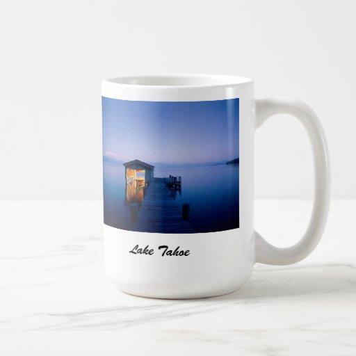 Taza de café de la puesta del sol del lago Tahoe
