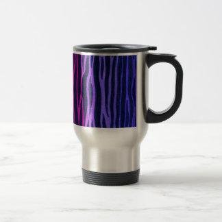 Taza de café de la raya de la cebra del arco iris