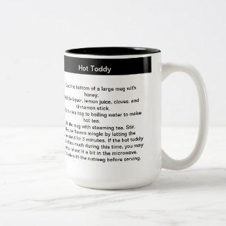 Taza de café de la receta del toddy caliente