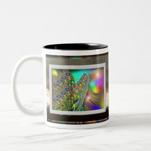 Taza de café de la salida del sol de la mariposa