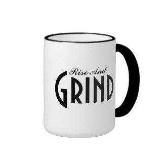 Taza de café de la subida y de la rutina