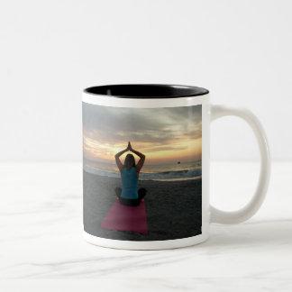 taza de café de la yoga