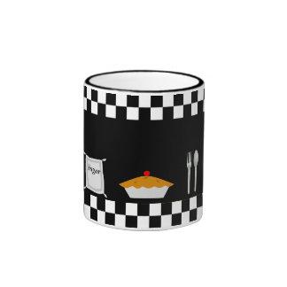 Taza de café de las empanadas del tablero de damas