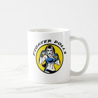 Taza de café de las muñecas del combatiente