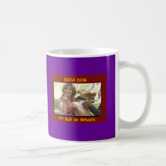 Taza de café de Linda Blair del PERRO de la DIVA