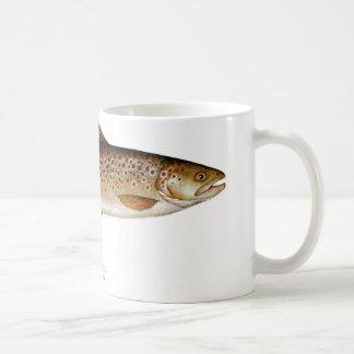 Taza de café de los pescados de la trucha de Brown