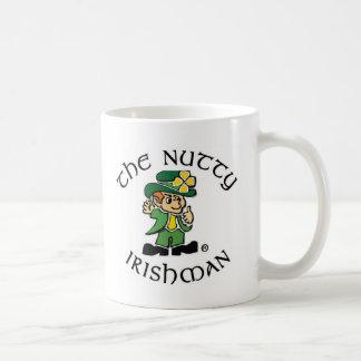Taza de café de nuez del irlandés