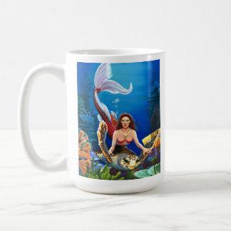 Taza de café de rubíes de la sirena