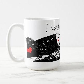 Taza de café del amor de la zapatilla de deporte