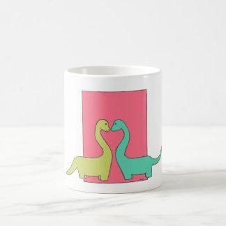 Taza de café del amor del Brontosaurus